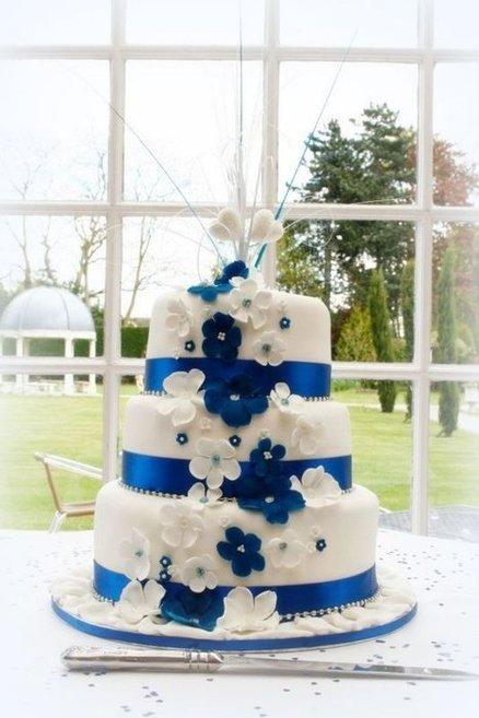 wedding cake,sugar paste,cake decorating,food,cake,