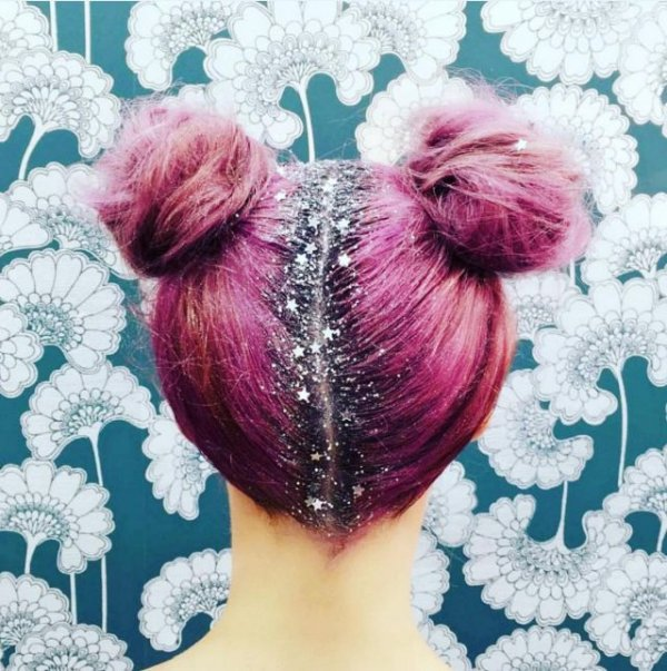 with stars too   glitter roots are the magical new hair