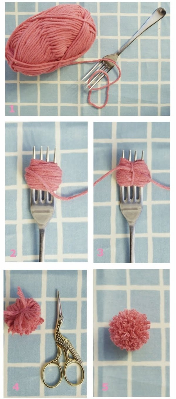 Use a Fork to Make a Tiny Pom-pom