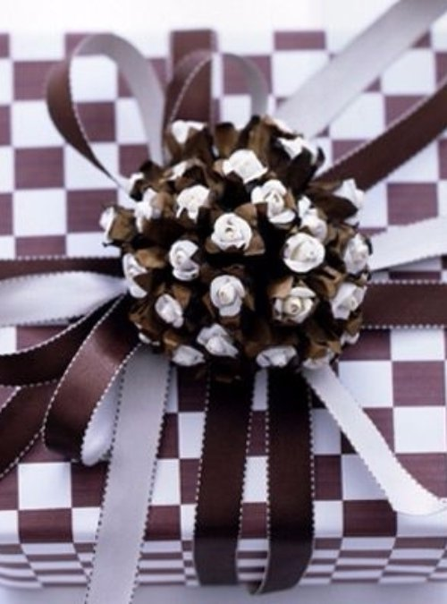 white,brown,flower,christmas decoration,fashion accessory,
