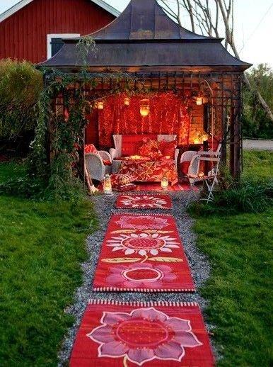man made object,outdoor structure,lawn,Trini'shiminii,iviiiiiiiiiiiiiiiisviv,