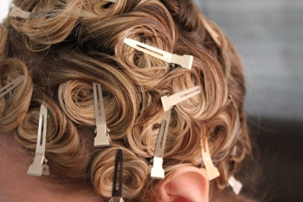 Miraculous 5 Pin Curls 7 Awesome Ways To Curl Your Hair Hair Short Hairstyles Gunalazisus