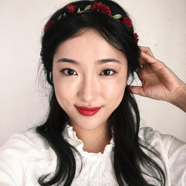 Red Lip & Matching Floral Crown