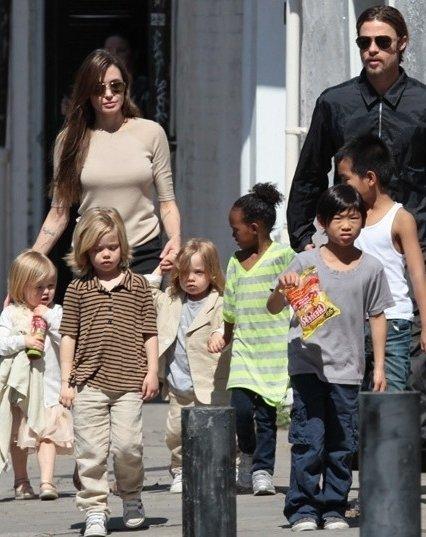 Angelina Jolie and Bra... Brad Pitt And Angelina Jolie