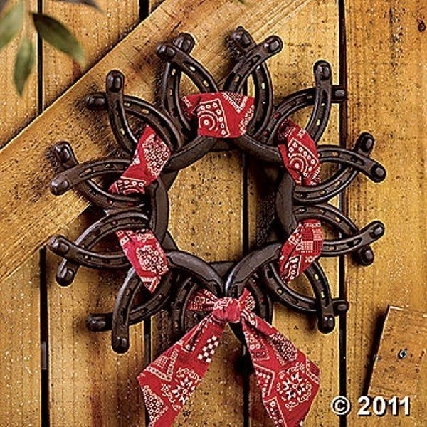 Horseshoe Wreath 37 Horseshoe Crafts To Try Your Luck With