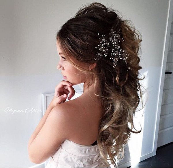 clothing, hair, hairstyle, fashion accessory, bridal accessory,