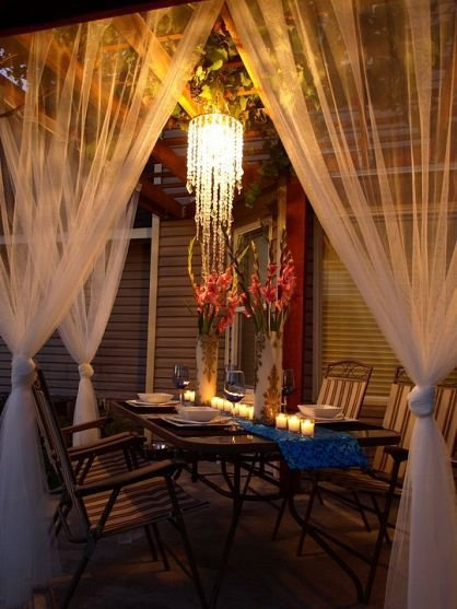 15. Hang Curtains to Create a Dining Room Feel outside - 28 Stylish…