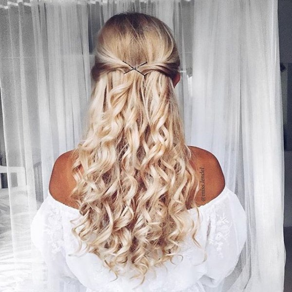 hair, hairstyle, face, bridal accessory, blond,