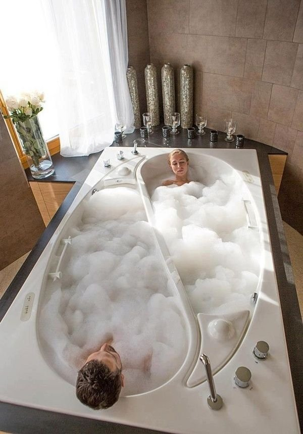Compartmentalized Bathtub