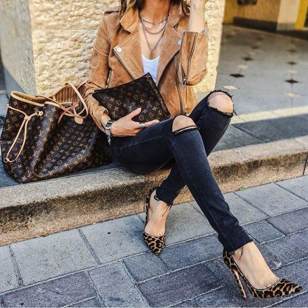 footwear, shoe, clothing, leg, high heeled footwear,
