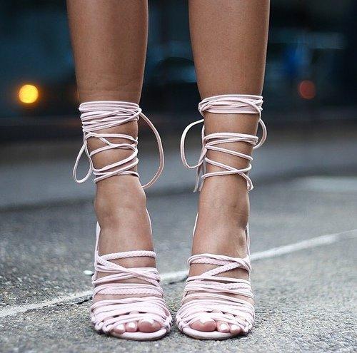 footwear,shoe,leg,fashion,high heeled footwear,