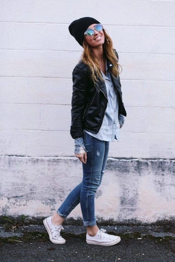 Cute All over: Skinny Jeans, Leather Jacket and a Black Beanie