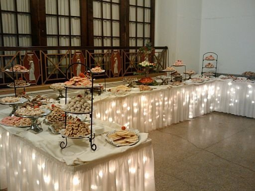 Add Some Lights & Add Some Lights - 20 Awesome Fall Buffet Ideas for Your Party ...u2026 azcodes.com