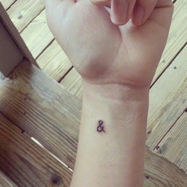 finger,leg,arm,skin,hand,