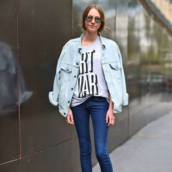 3. Wear a Light Jean Jacket with Dark Jeans - Cool 😎 Outfits to Try…