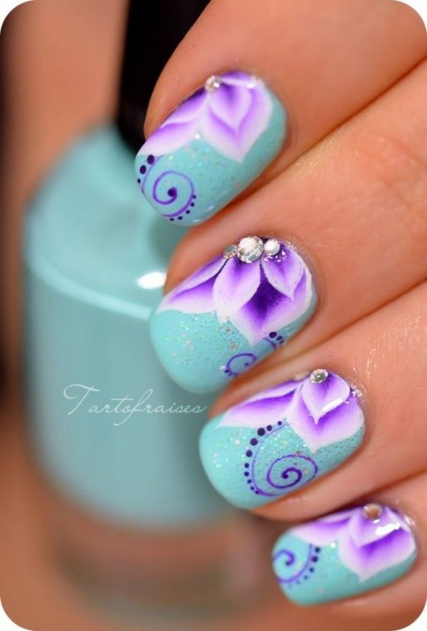 Flower design for nail polish : Wait til you see these awesome flower nail art designs