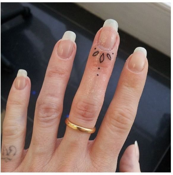 finger,nail,ring,jewellery,hand,