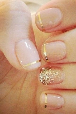 Nude and Gold Nails Are so Sophisticated