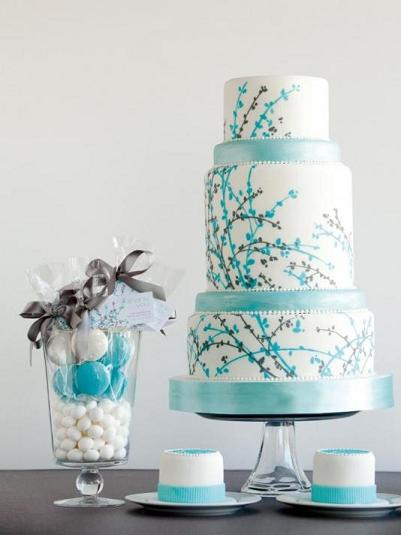 6 amazing wedding cakes too pretty to eat wedding perfect for a winter wedding junglespirit Gallery