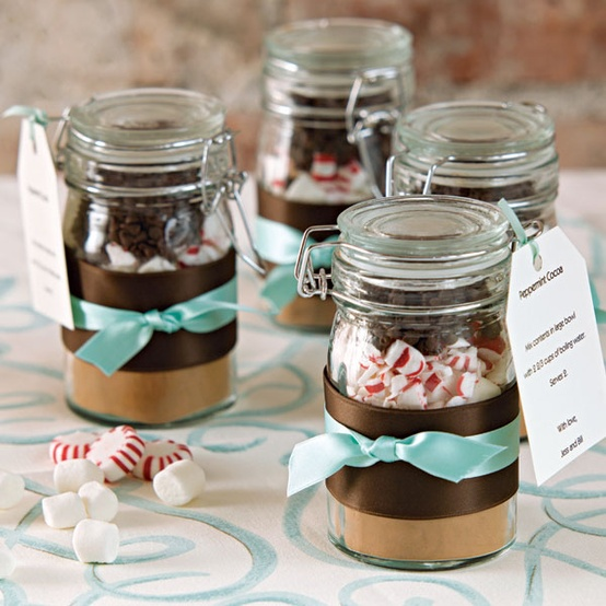 Christmas Wedding Favors: 8 Charming Ideas For A Christmas Wedding