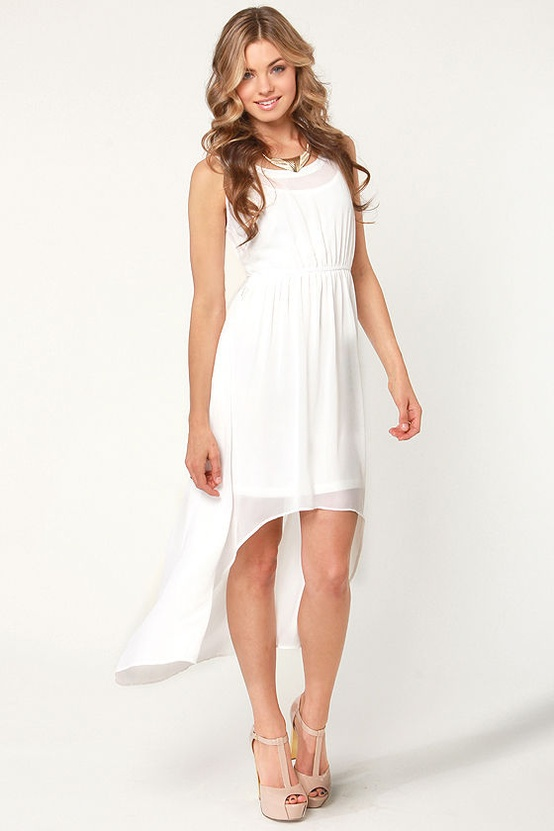 8 Adorable Dresses Perfect For Eloping Wedding