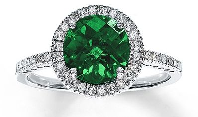 Emerald Engagement Ring 8 Ideas for an Emerald Themed Wedding