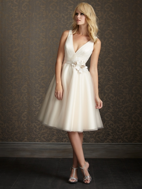 7 wedding dresses to wear your second time around for Around the neck wedding dresses