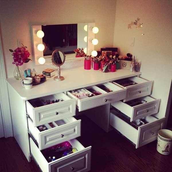 24 Desk Vanity Find Your Fantasy Makeup Room