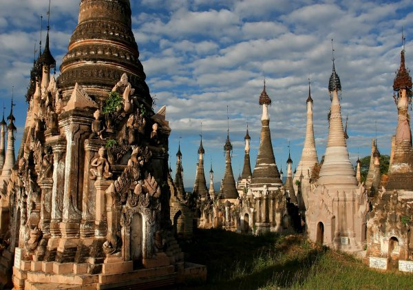 Visit the Temples in Bagan in Burma