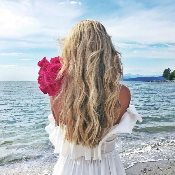 clothing, hair, blond, hairstyle, woman,