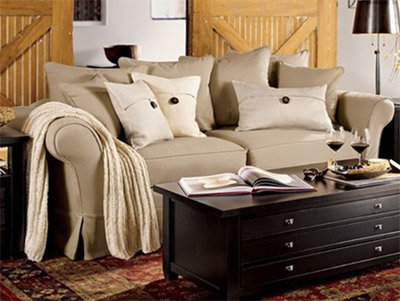 Perfect The Charleston Sofa Has All The Right Curves To Make It Inviting. With  Scatter Back Pillows And A Comfortable Shape, You Wonu0027t Want To Leave Your  Seat.