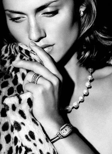 Amber Valletta - 35 Y.o. ...