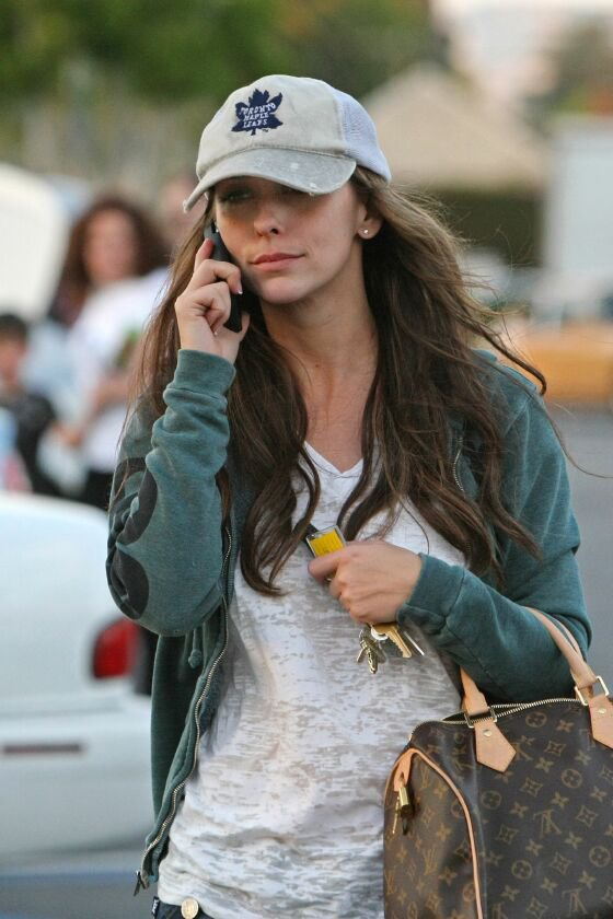 Jennifer Love Hewitt -...