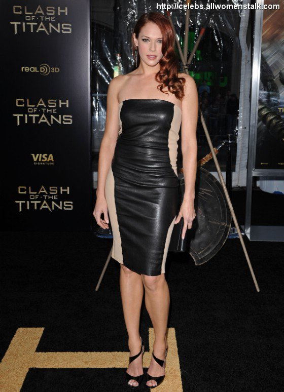 10 Best Photos From Clash Of The Titans L A Premiere