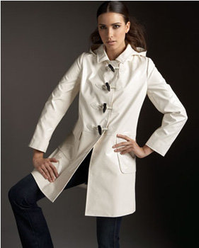 If I had to choose one rain coat to wear forever, this would be it. It's so stylish, so classic, it will never be out of date