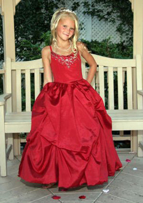 6. Beautiful Red Dress - 8 Top Dresses for Your Little Girl ... → 👗…