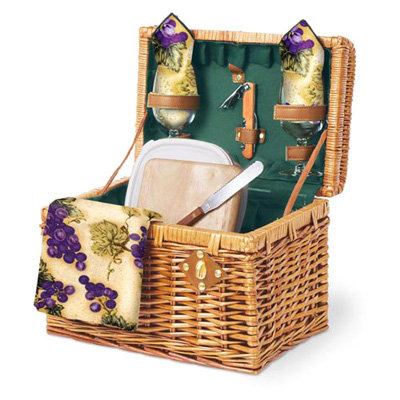 Wedding Gift Picnic Basket : Price: USD53.95 at picnicgear.com