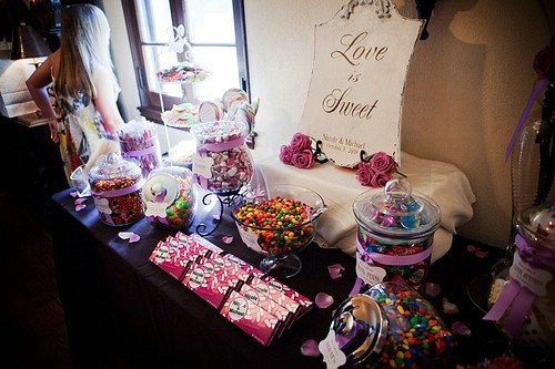 Have a Candy Bar - 8 Completely Unique Ideas for Your Wedding ...…