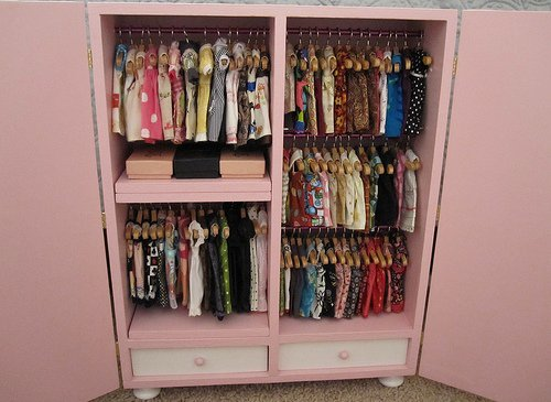 8 tips for reorganizing your closet lifestyle - Cleaning out your closet ...