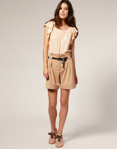 The Belted Tailored Shorts - 7 of the Hottest High-Waisted Looks…