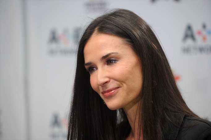 Top Keywords Picture For Demi Moore Ghost Haircut