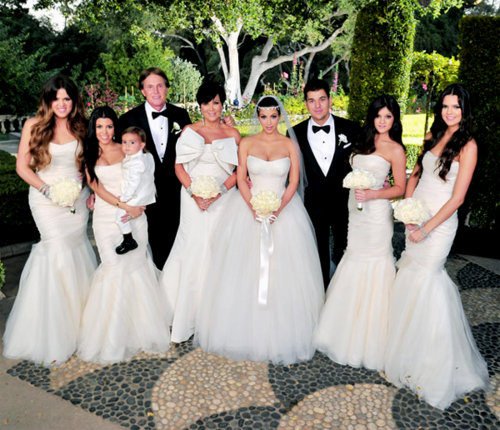 The Entire Kardashian Jenner Clan Formed Wedding Party And You Have To Admit Khloe Kourtney Kris Kim Kylie Kendall All Look Lovely In Their