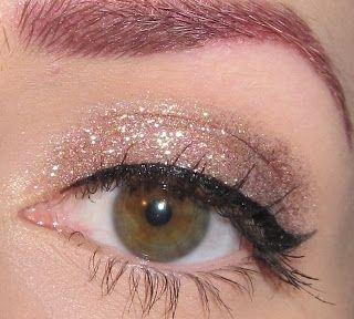 Simple Neutral Glitter Eye Makeup Look