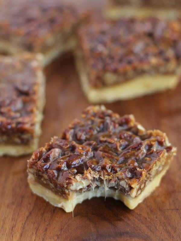 Ina Garten's Chewy Caramel Pecan Squares - 29 Tray Bake Cakes That…