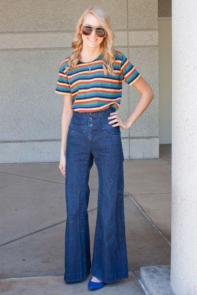 High Waist Jeans with a Cute Tee