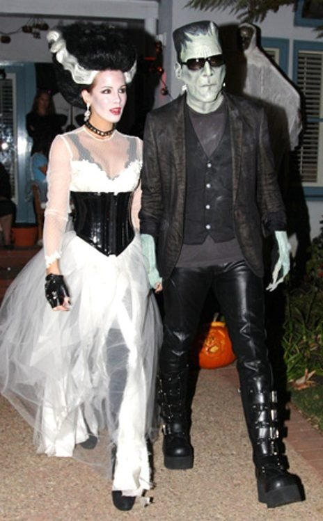 7 Couples Costumes Inspired by Classic Halloween Films ... …
