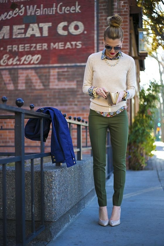 11. Green Pants Are Must - 33 Gorgeous Outfits That Will Inspire Your…