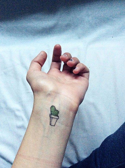 finger,hand,arm,leg,sense,