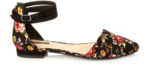 footwear,shoe,leg,sandal,high heeled footwear,