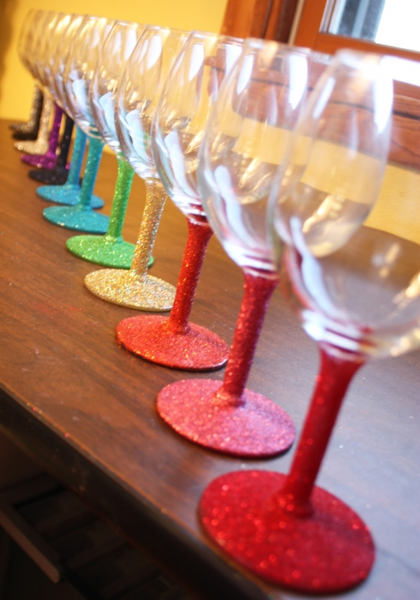 DIY Glitter Stem Wine Glasses